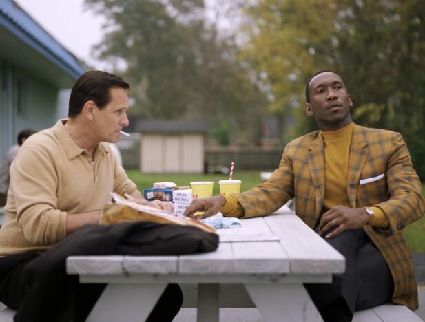 I «Green Book» spiller Viggo Mortensen og Mahershala Ali to vidt forskjellige menn som likevel knytter bånd. FOTO: NTB Scanpix