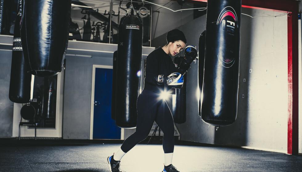 EN FIGHTER: - Etter å ha begynt med boksing, har jeg fått selvtillit til å ta utfordringer på strak arm, sier Fatimah Mahdi til KK. FOTO: Astrid Waller