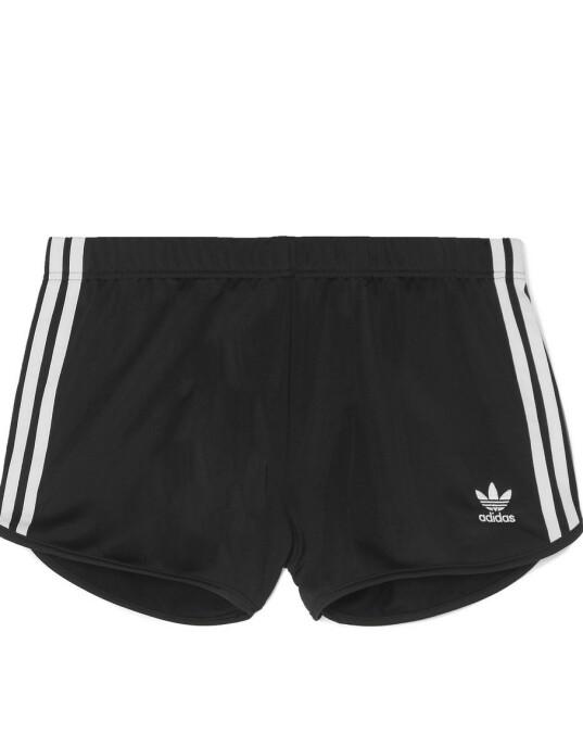 Shorts (kr 330, Adidas).