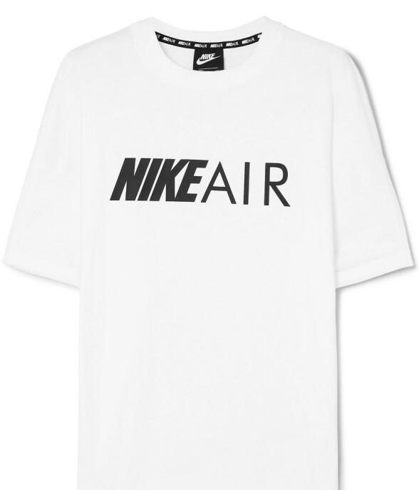 T-skjorte (kr 450, Nike).