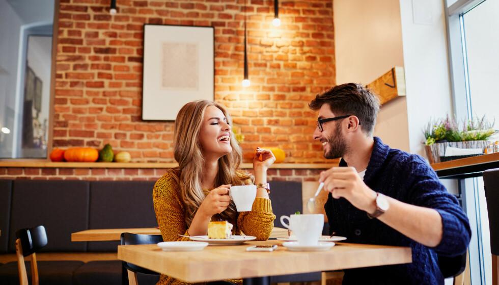 FØRSTE DATE: Det er ikke alltid så lett å få samtalen til å gå, men nederst i denne saken finnes noen tips. FOTO: NTB Scanpix