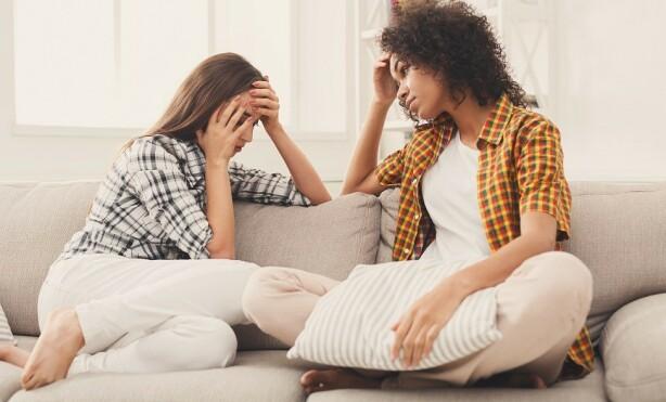 TILBY HJELP: Det kan være bedre å tilby annen hjelp enn å stadig låne bort penger. FOTO: Shutterstock