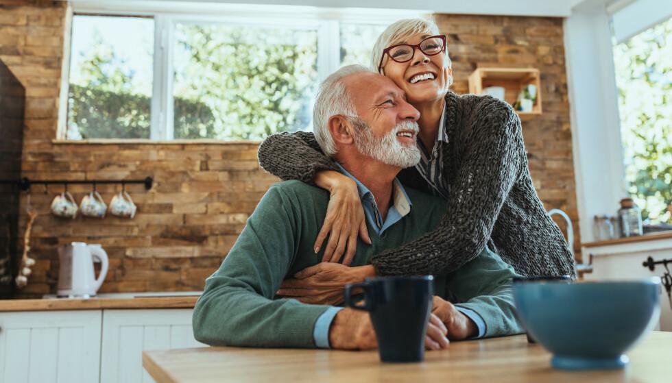 LYKKE: Lykkeforskningen sier at lykken går i en u-kurve, og at vi har det verst når vi er rundt 40 før det går oppover igjen. FOTO: NTB Scanpix