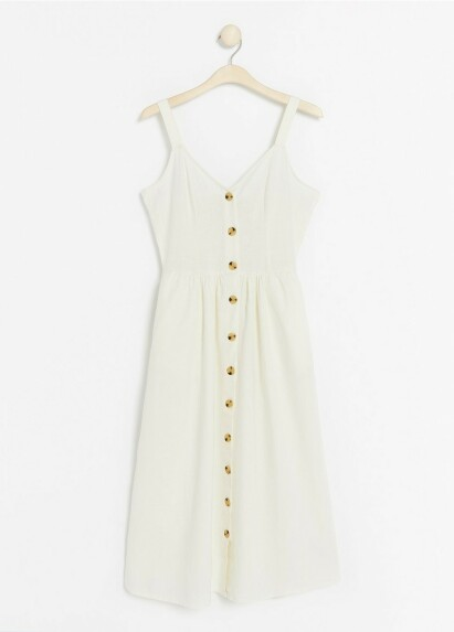 Hvit kjole fra | Lindex | https://www.lindex.com/no/7839209/?utm_campaign=prospecting_1245_w1921_ysw_summer_dreses_women_no&utm_source=aller&utm_medium=content&utm_content=summer