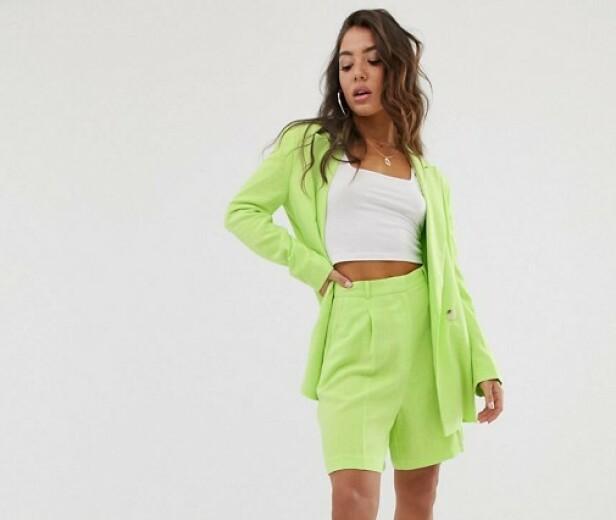 FRA ASOS: Blazer, kr 625. Shorts, kr 312.