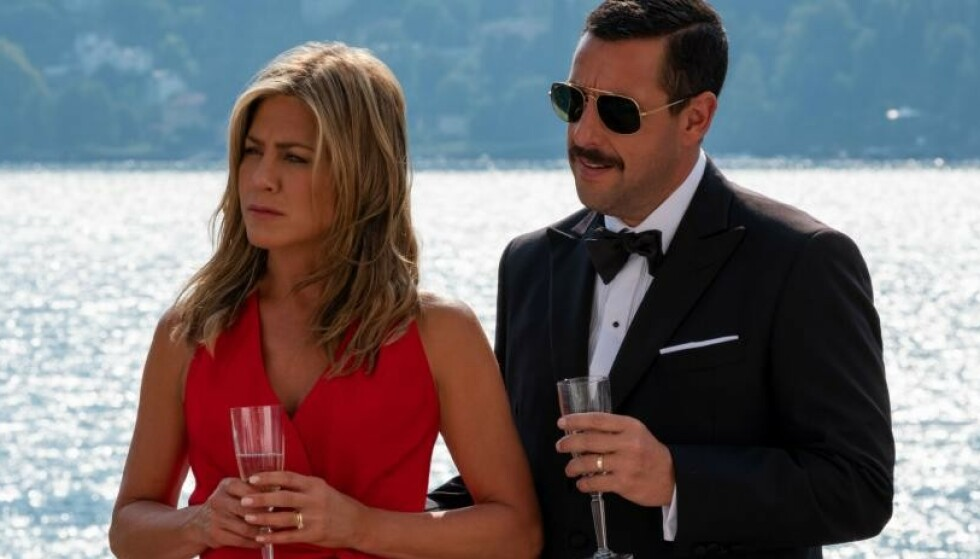 <strong>NY FILM:</strong> «Murder Mystery» med Jennifer Aniston og Adam Sandler i hovedrollene har premiere i juni på Netflix. FOTO: Netflix