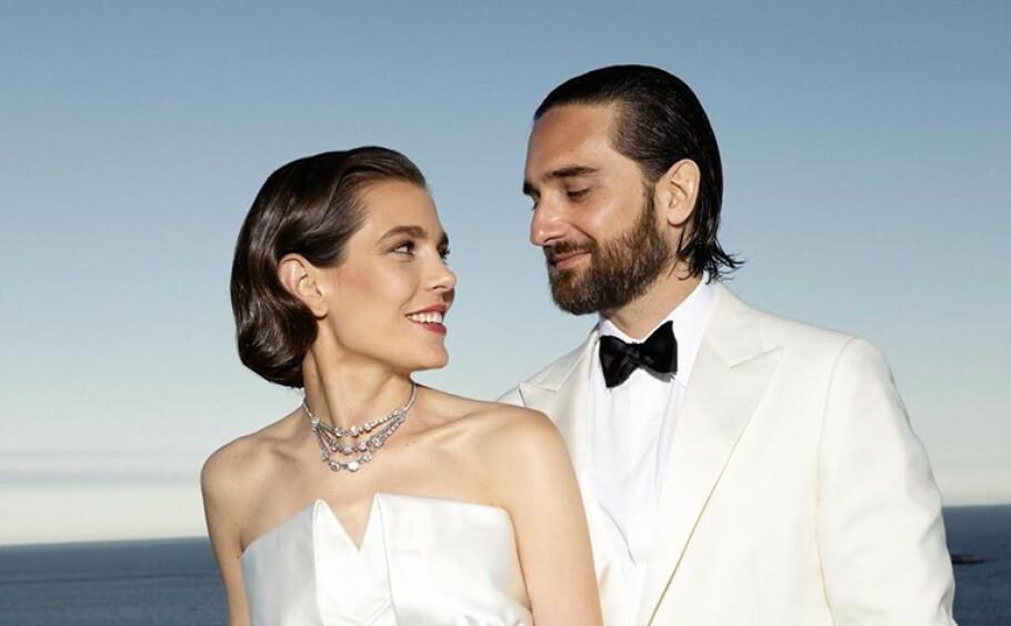 ENDELIG GIFT: Bryllupet mellom Charlotte Casiraghi og Dimitri Rassam ble utsatt på grunn av baby - men nå er de gift! FOTO: Félix Dol-Jersey // Palais Princier de Monaco