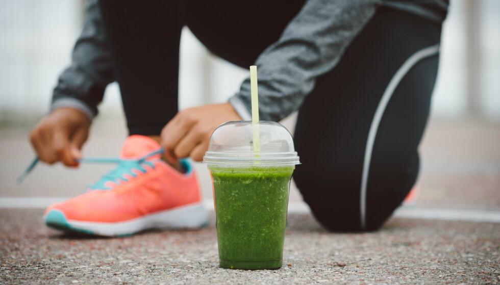 SPIS SUNT: Sunn mat og aktivitet er viktig for å opprettholde en sunn livsstil. FOTO: NTB