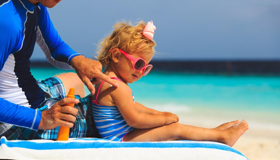 TRENGER BESKYTTELSE: Den aller beste solbeskyttelsen er å være mindre i den sterke sola midt på dagen.