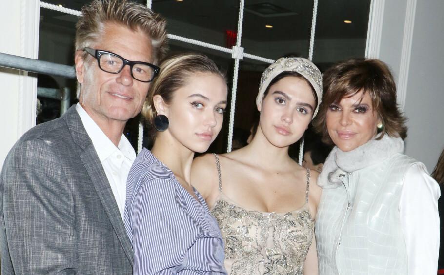 HOLLYWOOD-FAMILIE: I reality-serien The Real Housewives of Beverly Hills er vi flue på veggen i livene til Hollywood-paret Lisa Rinna og Harry Hamlin, og deres to døtre Delilah Belle Hamlin og Amelia Gray Hamlin (t.h.). FOTO: NTB Scanpix