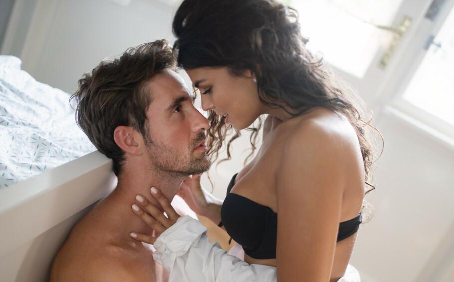 VÆRE TIL STEDE: Å fantasere er vel og bra, men om du aldri er til stede i seksualakten mentalt, kan det føles kjipt for partneren. FOTO: NTB Scanpix