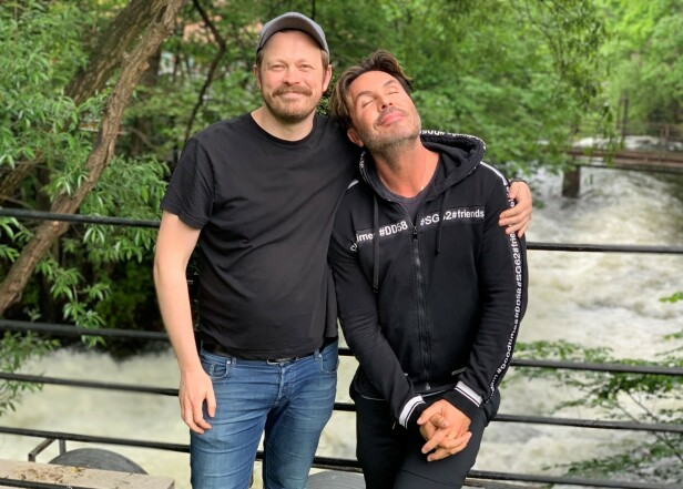 HAR FUNNET HVERANDRE: Det er ingen tvil om at Einar Tørquist og Jan Thomas har etablert et nært vennskap - til tross for ulikheter. Til høsten blir vi bedre kjent med den på TV-skjermen. FOTO: TVNorge