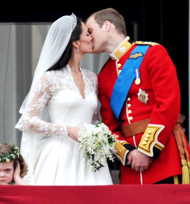 GIFT: Det har nå gått hele åtte år siden Kate og William ga hverandre sine ja i Westminster Abbey i 2011. FOTO: NTB Scanpix