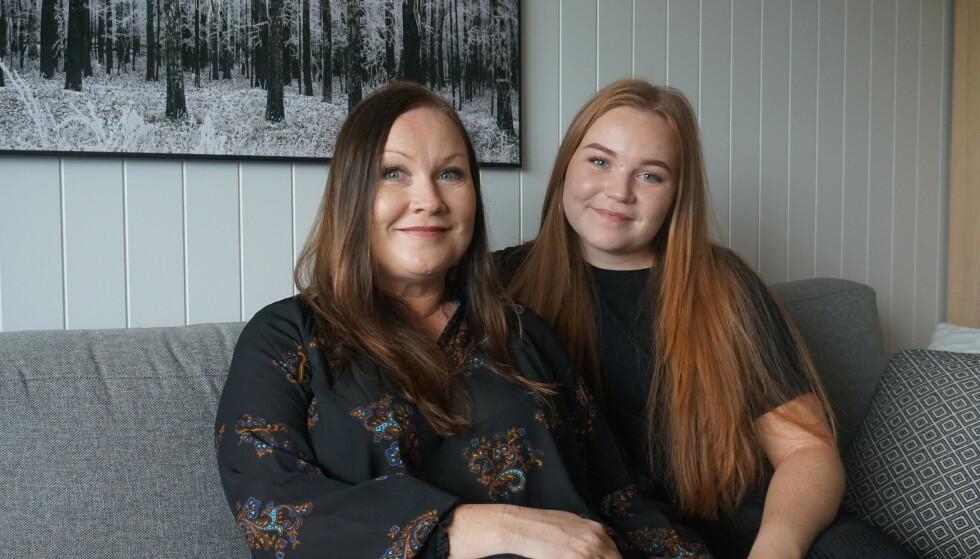 NYE TIDER: - Mor og datter, Ann Marit og Marie, 2019. Marie gleder seg til å bli student og hybelboer. Ann Marit tenker at det blir en ny og spennende tid også for henne. Foto: privat