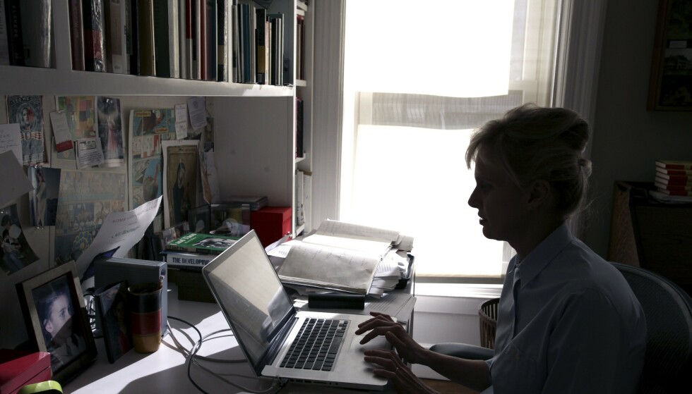 SKRIVEROMMET: Siri Hustvedt i skriverommet sitt i huset i Brooklyn. FOTO: SCanpix