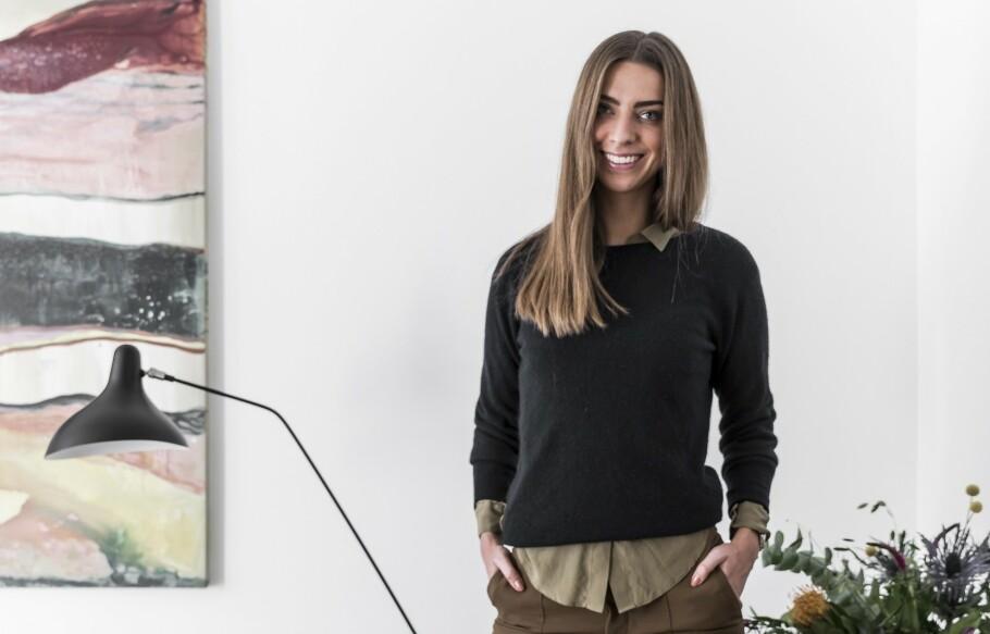 INTERIØR: Kunstner med stor K! Kiki Schjølin har malt og laget flere av skattene i hjemmet sitt selv. FOTO: Julie Wittrup og Mikkel Dahlstrøm/Another Studio