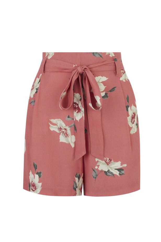 Shorts med knyting (kr 400, Oasis). FOTO: Produsenten