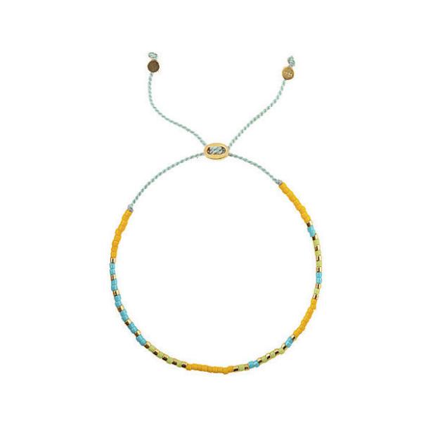 Armbånd med fargerike perler (kr 200, Syster P). FOTO: Produsenten