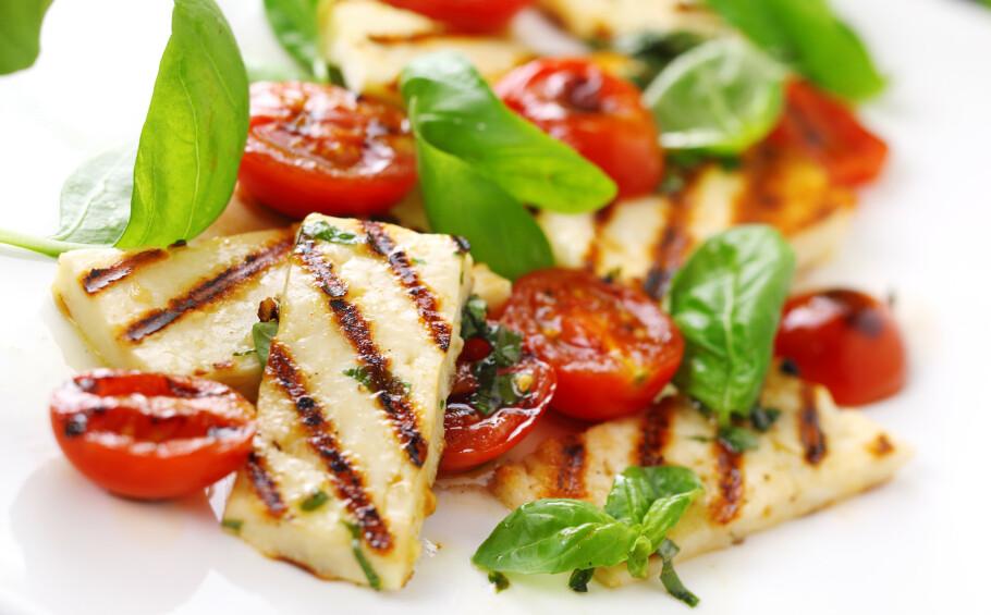 POPULÆRT: På grunn av at stadig flere velger å spise mindre kjøtt, har importen av den kypriotiske osten halloumi økt kraftig de siste årene. FOTO: NTB Scanpix