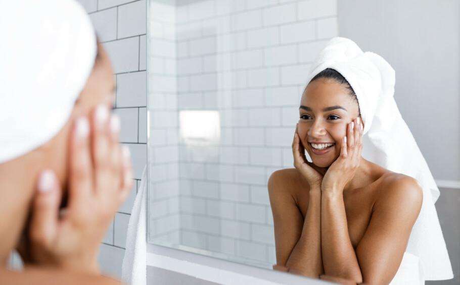 HYALURONSYRE: Hyaluronsyre finnes allerede naturlig i kroppen, og er det som sørger for at huden holder på fuktigheten slik at den oppfattes som spenstig og fyldig. FOTO: NTB Scanpix