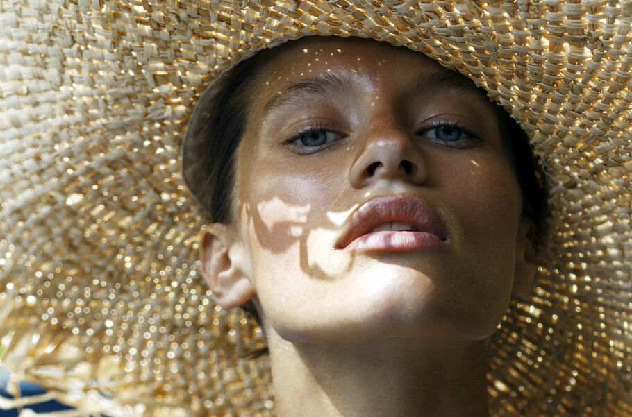 SOLKREM: Vi viser deg hvilken solbeskyttelse du bør gå for. FOTO: NTB Scanpix