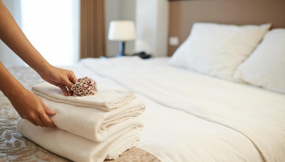 FOLKESKIKK: Det skulle være unødvendig å nevne, men hotellansatte ber gjestene om å vise normal folkeskikk. FOTO: NTB Scanpix