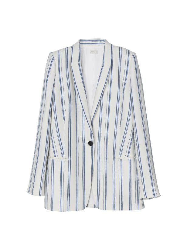 Stripete blazer (kr 3800, By Malene Birger). FOTO: Produsenten
