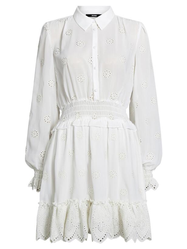 Langermet kjole (kr 600, Bik Bok). FOTO: Produsenten