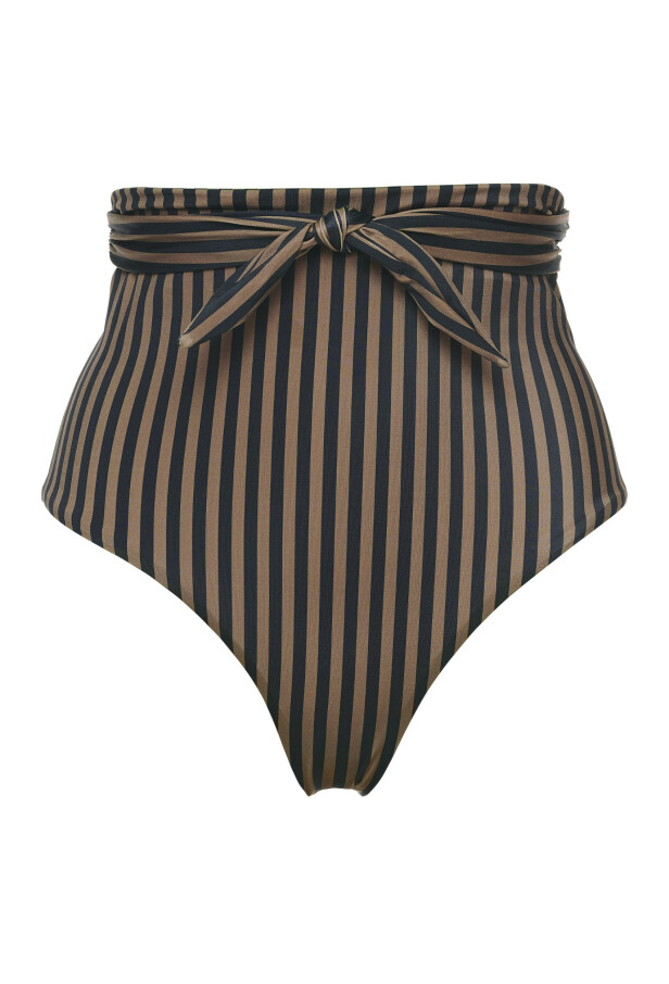 Bikinitruse (kr 530, Scampi). FOTO: Produsenten