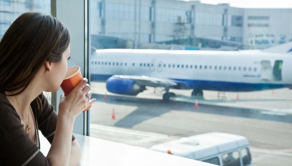 DYRT: - Skal du kjøpe all mat og drikke allerede på flyplassen før ferien starter kan det bli en dyr start på ferien, sier ekspert. FOTO: NTB Scanpix