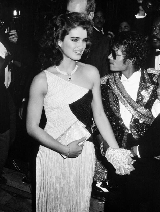 <strong>GODE VENNER:</strong> Kort tid etter filmdebuten, møtte Brooke den åtte år eldre Michael Jackson, de gikk ut sammen i mange år, men hun insisterer på at de var i et vennskapelig forhold. FOTO: Scanpix