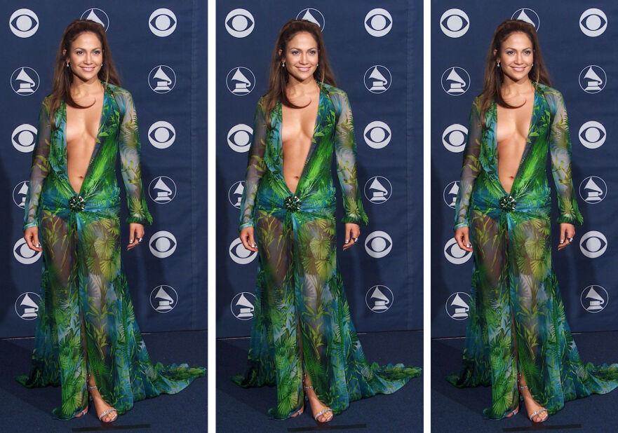 JENNIFER LOPEZ: I 2000 kom sangstjernen iført denne Versace-kjolen på Grammy-utdelingen. Nå blir den til sko! FOTO: Scanpix
