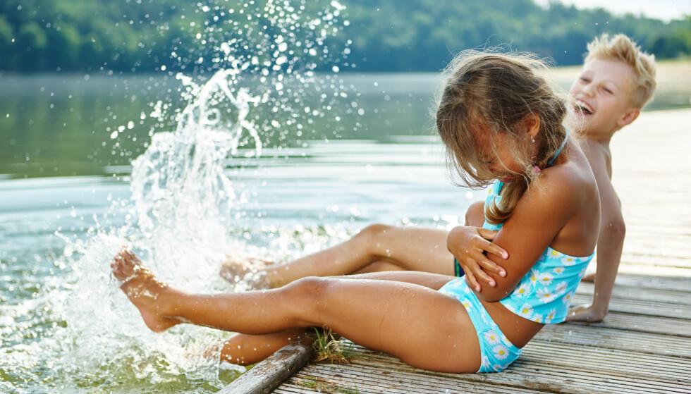 BADER ALENE: - Jeg tror mange ser på badevaktene som barnevakt. Dessverre. Hvis ikke hadde de vel ikke sendt barna ut og snudd ryggen til, sier en mor til KK. FOTO: NTB Scanpix