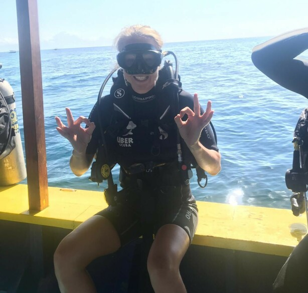 DYKKING PÅ BALI: Line var på dykketur på Bali før sommerjobb på Bjørnsund. FOTO: Privat