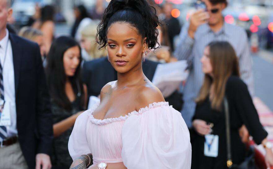 FIKK BAKOVERSVEIS: Det er neppe enkelt å vippe selveste Rihanna av pinnen – men 7-åringen Ala'a fikk det til. FOTO: Scanpix