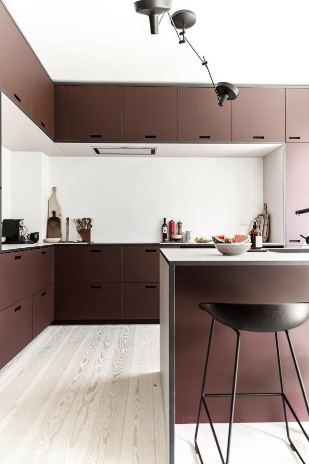 Selve skapene er fra Ikea, mens fronter og benkeplate er fra &Shufl. Tips! Bytte ut fronter på Ikea-kjøkkenet? Sjekk ut disse: &Shufl Superfront Studio10 Noremax Ask og Eng Reform. FOTO: Another Studio