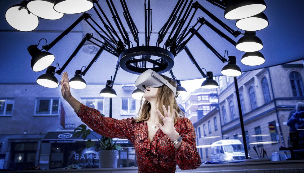 Hjerneforsker Katarina Gospic mener at ny teknologi, slik som VR-briller, gir fantastiske muligheter. Men samtidig er hun opptatt av at vi skal finne balansen i vårt digitale liv. FOTO: Rickard L. Eriksson