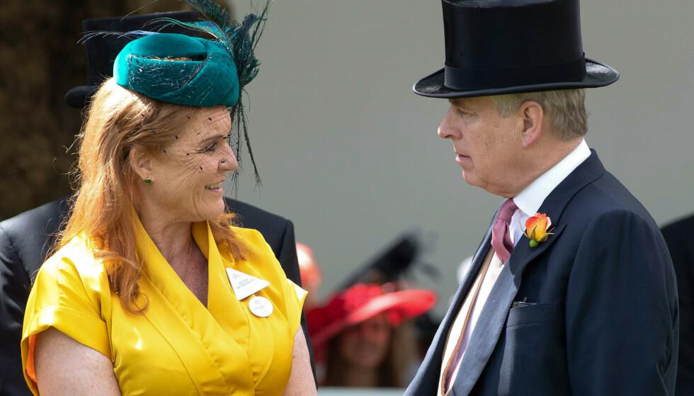 GODE VENNER: Til tross for at de ble skilt i 1996, har prins Andrew og Sarah Ferguson beholdt vennskapet. De bor til og med sammen på Royal Lodge i Windsor Great Park. Her fra sommerens Royal Ascot-festligheter. FOTO: NTB Scanpix