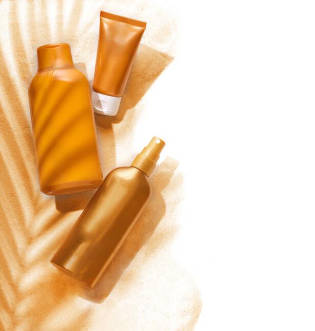 VELG RIKTIG SOLKREM: Skjønnhetsekspert Tone Skipa tipser som hvilken solkrem som vil passe til din hudtype. Foto: Scanpix