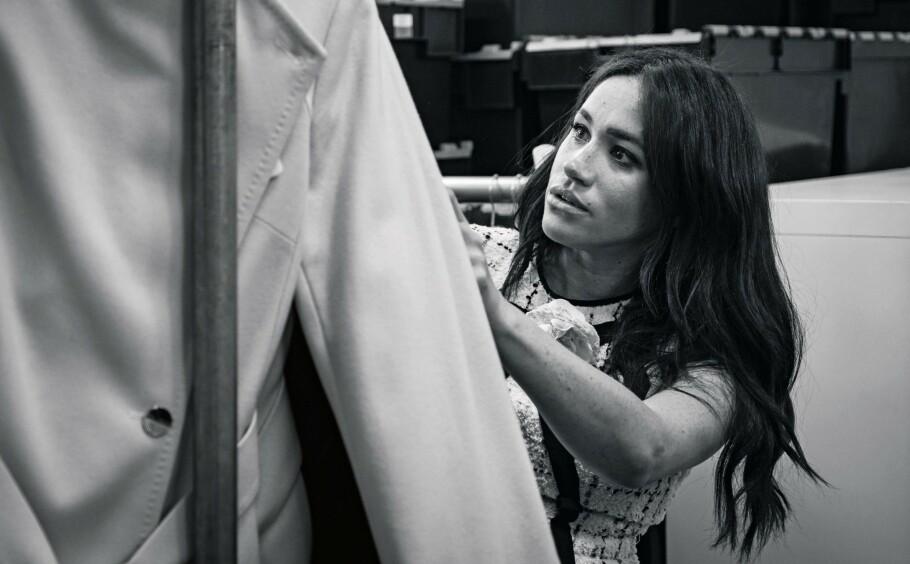 GJESTEREDAKTØR: I septemberutgaven av britiske Vogue er det selveste hertuginne Meghan som har hatt redaktøransvar - et initiativ hun tok selv. Dette bildet er tatt i forbindelse med Vogue-jobben. FOTO: NTB Scanpix