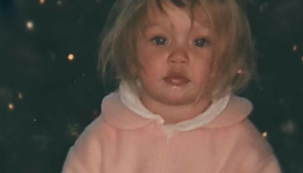 I dag er denne lille jenta verdenskjent modell – kjenner du henne igjen?
