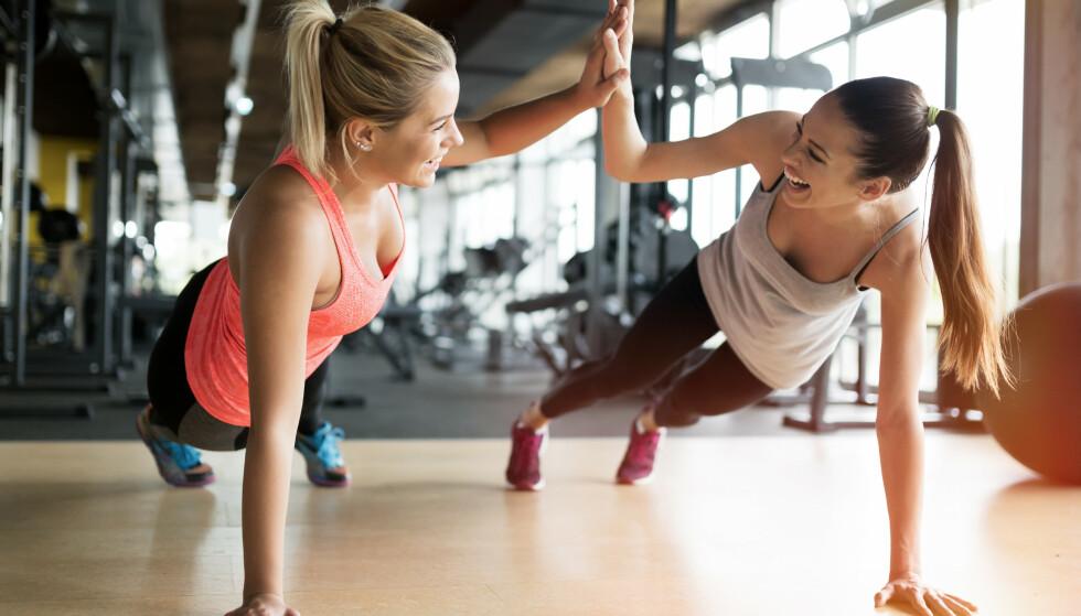 BALANSE: Også når det kommer til trening og helse så handler det selvfølgelig om å finne en balanse - en balanse som gir deg rom til å leve et sunt liv, samtidig som at du kan unne deg noe ekstra godt en gang i blant. FOTO: NTB Scanpix