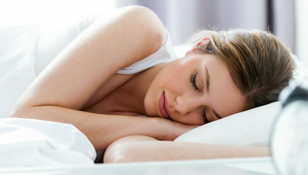 INNSOVNINGSTID: Noen har en biologisk god evne til å sovne raskt, mens andre bruker lengre tid, sier søvnekspert. FOTO: NTB Scanpix