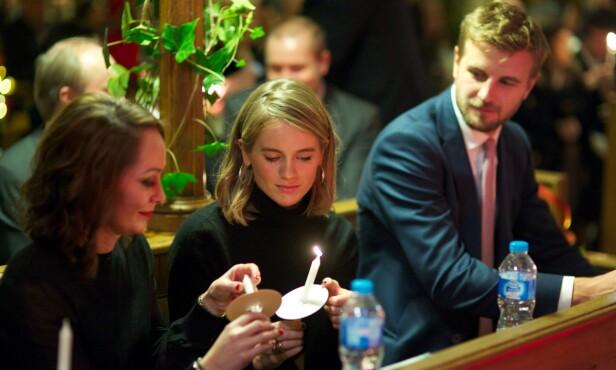 <strong>SIDE OM SIDE:</strong> Cressida Bonas (midten) og kjæresten Harry Wentworth-Stanley fotografert under et veldedighetsarrangement i London i 2017. Da hadde de akkurat funnet tilbake til hverandre igjen. FOTO: NTB Scanpix