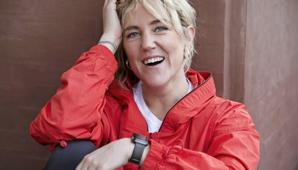 Michelle Kristensen (34) oppdaget hvor lite hun egentlig beveget seg da hun fikk en smartklokke. FOTO: Jaqueline Fluri