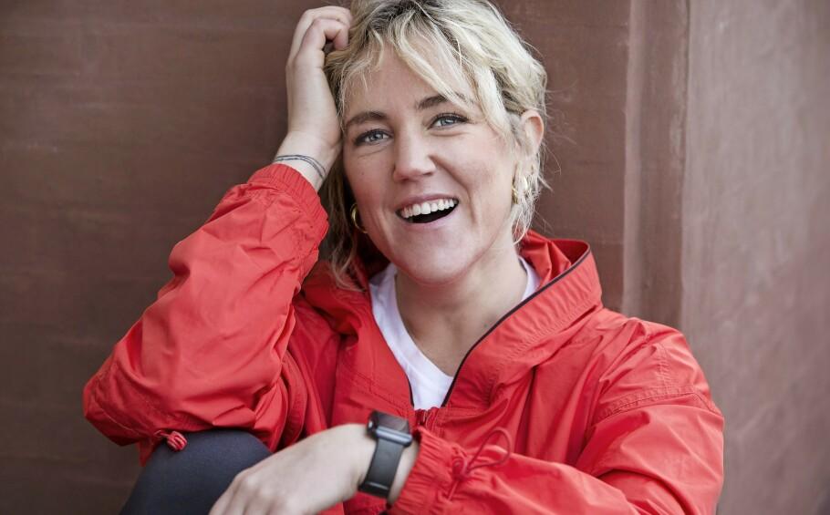 HELSE: Michelle Kristensen (34) oppdaget hvor lite hun egentlig beveget seg da hun fikk en smartklokke. FOTO: Jaqueline Fluri