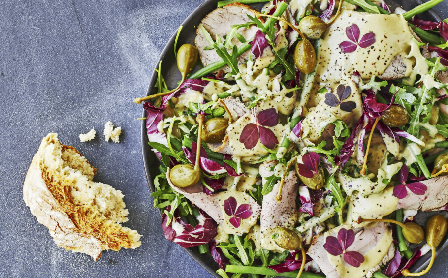 OPPSKRIFTER: Her får du oppskrifter på 4 deilige og mettende salater. FOTO: Winnie Methmann og Nina Malling