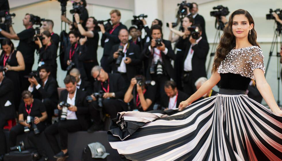 Se antrekkene fra filmfestivalen i Venezia