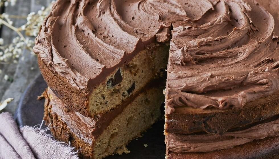 Banan, sjokoladebiter og fyldig sjokoladekrem - kan det bli bedre?