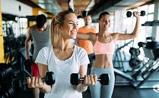 Kan treningssenterne bestemme hvilke klær du kan trene i?